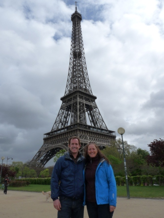 Patrick and Diane in front of the Eiffel Tower