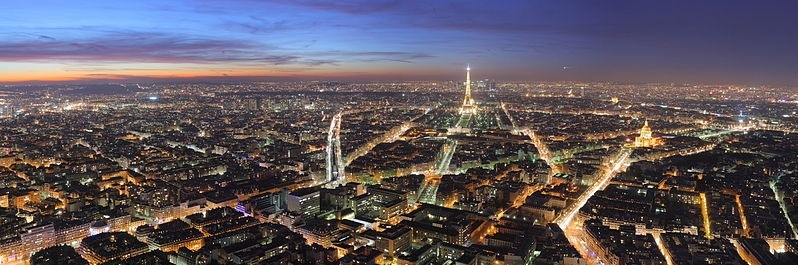 Image of Paris at night taken from Montmartre