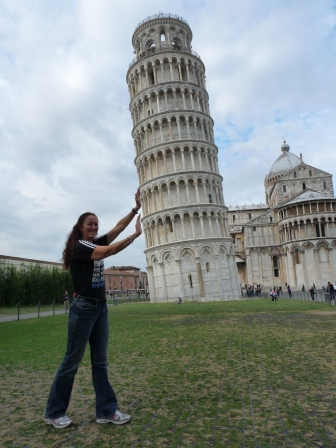 Diane appearing to be holding up the Leaning Tower of Pisa