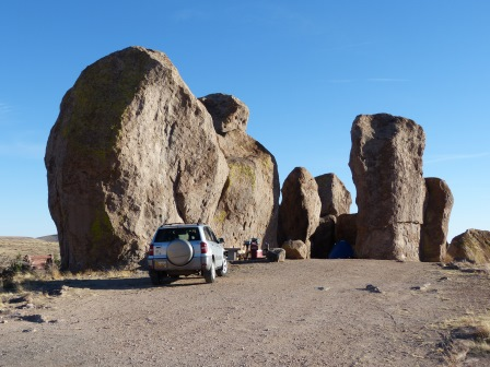 Car campers among the rocks